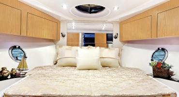 Луксозна яхта Schaefer 400 - интериор