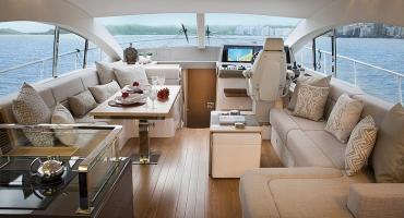 Луксозна яхта Schaefer 640 - интериор